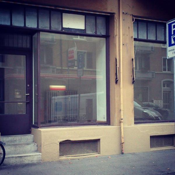 Herbst 2013: Unser Ladenlokal vor dem Ausbau.